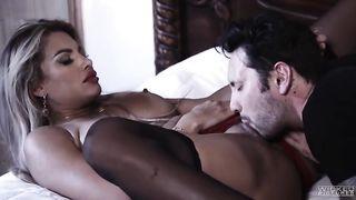 Große Titten reiten Hahn Rotwanne Porno